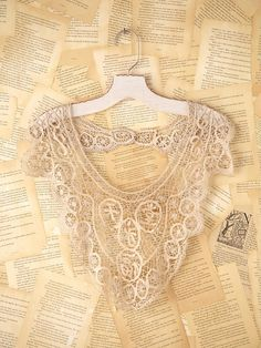 victorian lace necklace.