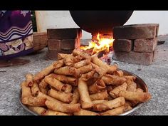 SHADIYON WALE CHICKEN ROLLS BY BAWARCHI - YouTube Desi Food, Iftar, Cooking Videos, Sweet And Spicy, Apple Pie, Indian Food Recipes, Wales, Samosas, Chicken