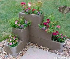 Easy And Inexpensive Cinder Block Garden Ideas 06340 - front yard landscaping ideas Outdoor Projects, Garden Projects, Diy Projects, Backyard Projects, Garden Crafts, House Projects, Project Ideas, Lawn And Garden, Garden Beds