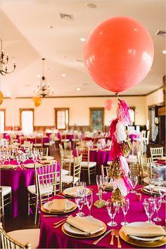 giant balloon centerpiece idea @weddingchicks