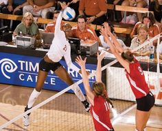 Destinee Hooker USA #VOLLEYBALL. Add Around The Rings on www.Twitter.com/AroundTheRings & www.Facebook.com/AroundTheRings for the latest info on the #Olympics. Usa Volleyball, Volleyball Photos, Coaching Volleyball, Volleyball Players, Volleyball Drills, Volleyball Gifts, Sports Illustrated Models, Living At Home, Summer Olympics