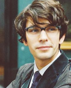 Love his glasses! (Ben Whishaw as Agent Q)