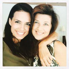 First selfie from Montreal! Torrey DeVitto and Daphne Zuniga #Oth