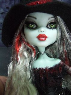 Frankie Witch - Monster High Doll