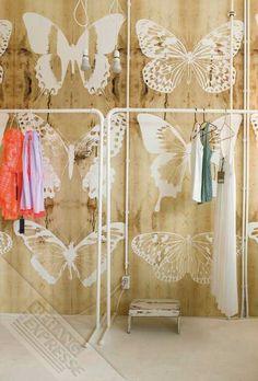 OZ ENJOY Butterflies on Wood bij Behangwebshop