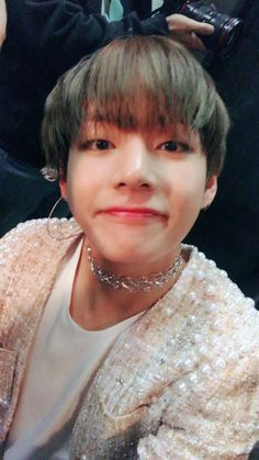 KPOP | BTS V (TAEHYUNG)    ...god damnit v, that freaking choker...!