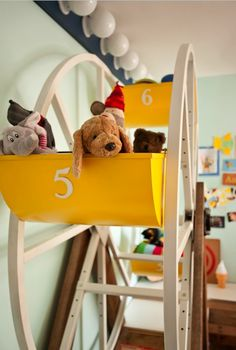 toddler room storage --- how cool!!!