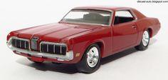 Auto World 1/64 - 1970 MERCURY COUGAR