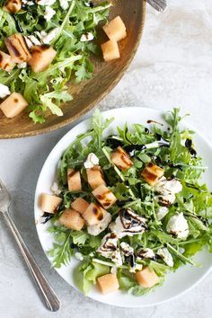 Arugula Cantaloupe & Feta Salad with Balsamic Glaze. A simple and delicious summer salad! Cantaloupe Salad, Cantaloupe Recipes, Radish Recipes, Pasta Salad Recipes, Healthy Salad Recipes, Asian Recipes, Vegetarian Recipes, Szechuan Recipes, Gnocchi Recipes