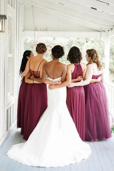High School Sweethearts & # Hochzeit in jener Elfenbein-Quercus in Texas No related posts. Davids Bridal Bridesmaid Dresses, Bridesmaid Bouquet, Wedding Dresses, Bridesmaids, High School Sweethearts, Wine Colored Wedding, Beaded Bouquet, Burgundy Wedding Colors, Texas