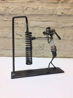 Mira este artículo en mi tienda de Etsy: https://www.etsy.com/es/listing/568308735/figura-metal-boxeador-bujia
