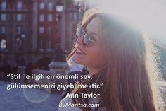 Stil ile ilgili en önemli şey, gülümsemenizi giyebilmektir. #AnnTaylor ByMaritsa.com #vintage #retro #moda #giyim #kadıngiyim #kadınmoda #kadın #vintagegiyim #retrogiyim #bymaritsa #eticaret #onlinealışveriş #elbise #kıyafet #gözlük #ayakkabı