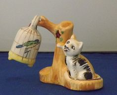 Vintage Cat Swatting At Bird Salt and Pepper Shakers - I could kick myself. I had this set (minus the stand) and sold it. Bad Debbie!
