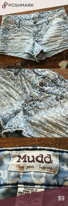 Mudd Print Jean Shorts Mudd cut off jeans shorts with a random print. Mudd Shorts Jean Shorts