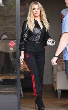 A evolução de estilo e beleza de Khloé Kardashian