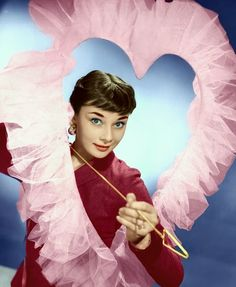 Audrey Hepburn makes a lovely Valentine decoration, complete with Cupid-like smile heart and arrow. My Funny Valentine, Vintage Valentines, Valentines Hearts, Vintage Holiday, Golden Age Of Hollywood, Vintage Hollywood, Classic Hollywood, Audrey Hepburn Born, Audrey Hepburn Photos