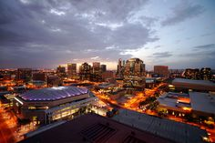 got to visit Phoenix earlier this year, and I loved it.now I would move to Phoenix in a heartbeat. Visit Arizona, Living In Arizona, Arizona Usa, Phoenix Arizona, Tenant Screening Services, Phoenix Skyline, Area Restaurants, City Lights