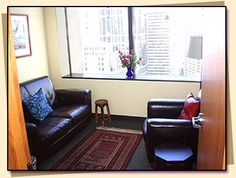 Not bad for a small psychotherapy office. Tasteful in its restraint.