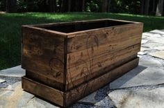 love this with the vine drawn on the box! Pallet Crates, Pallet Art, Pallet Ideas, Pallet Projects, Wood Pallets, Garden Planter Boxes, Wood Planter Box, Wood Planters, Shirley Jones