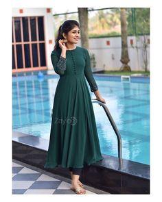 Simple Kurta Designs, Stylish Dress Designs, Kurta Designs Women, Stylish Dresses, Salwar Designs, Designer Anarkali Dresses, Designer Party Wear Dresses, Kurti Designs Party Wear, Indian Fashion Dresses