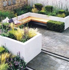 Contemporary patio layout for courtyard garden architectural plants give added Makale 4 Corner Garden Seating, Backyard Seating, Courtyard Landscaping, Courtyard Gardens, Landscaping Ideas, Architectural Plants, Contemporary Patio, Patio Layout, Garden Pictures