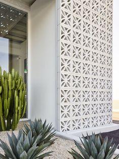 Facade Design, Exterior Design, House Design, Small Indoor Pool, Breeze Block Wall, Cinder Block Walls, Modern House Plans, Outdoor Landscaping, Mid Century House