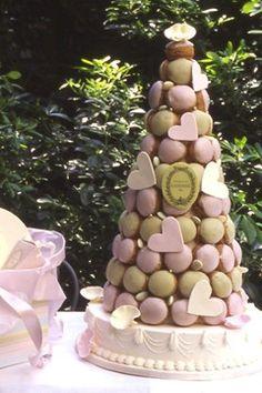 Une pyramide  macarons Ladurée ça vous tente? Laduree croquenbouche