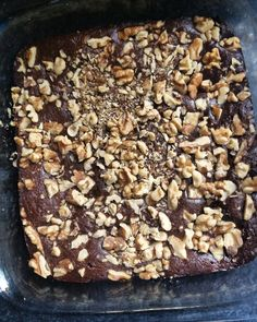 FLOURLESS SWEET POTATO BROWNIES.  #PALEO#DESSERT#CHOCOLATE#NUTS#BROWNIES#GLUTENFREE#SWEETPOTATO