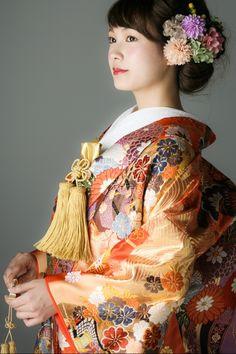 Kimono Japan, Japanese Kimono, Japanese Girl, Wedding Kimono, Wedding Dresses, Japanese Costume, Rapunzel Hair, Japanese Outfits, Japanese Beauty