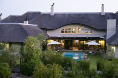 The Thatch House Hermanus This is a beautiful estate situated on the water's edge of the Klein River Lagoon, offering the ultimate in luxury Self Catering | Holiday Houses SA