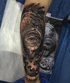 Clock tattoo designs are one of the timeless tattoo ideas (no pun intended) that you should consider. Check out our gallery for more ideas. Watch Tattoos, Top Tattoos, Forearm Tattoos, Body Art Tattoos, Tattoo Drawings, Tattoos For Guys, Sleeve Tattoos, Tattos, Clock Tattoo Design