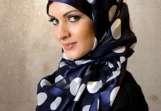 Hijab is used to covered you chest and the head.It is very popular in the Muslim women and most of the Muslim women like to wear hijab that will make them very Arab Fashion, Islamic Fashion, Fashion Kids, Latest Fashion, Winter Fashion, Fashion 2014, Muslim Fashion, Fashion Black, Fashion History
