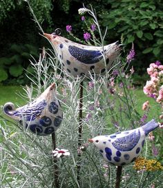 Picture result for ceramic birds for the garden – ceramic stelae – Typical Miracle Clay Birds, Ceramic Birds, Ceramic Animals, Ceramic Clay, Pottery Sculpture, Bird Sculpture, Pottery Art, Pottery Clay, Slab Pottery