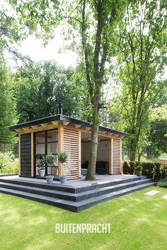 Slatting for patio near pool Backyard Office, Backyard Studio, Backyard Sheds, Backyard Patio Designs, Garden Studio, Pergola Designs, Backyard Landscaping, Backyard Pergola, Outdoor Rooms