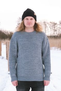 Cozy oversized merino wool sweater for Men. Grey sweater melange, hipster hiking look for outdoors. Chunky Oversized Sweater, Grey Sweater, Baby Seal, Merino Wool Sweater, Sustainable Fashion, Hiking, Hipster, Turtle Neck, Cozy
