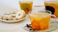 Pokud patříte k milovníkům ovocných čajů, máme pro vás recept na lahodný pečený čaj z čerstvého ovoce. Sladké kaki s medovou chutí je pro tento způsob přípravy ideální a báječně ladí s voňavým kořením.