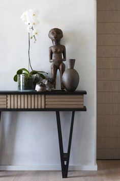 Minimalist African House With Natural Features Digsdigs pertaining to Incredible traditional african furniture - Home Interior Design South African Decor, South African Homes, African House, African Home Decor, African Interior Design, African Design, Interior Design Studio, African Style, African Art