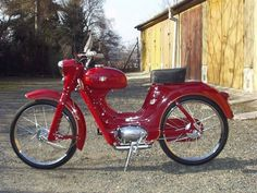 Jawa 50 typ 551 sport Motorcycle Engine, 50cc, Old Bikes, Classic Bikes, Beautiful Children, Motor Car, Cars And Motorcycles, Motorbikes, Photo Galleries