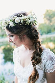 Check out all the stunningly rustic details in this bohemian affair, from the foraged and reclaimed centerpieces, to the mismatched Bridesmaids dresses, to one of the prettiest bridal braids ever! Bridal Braids, Wedding Braids, Bridal Hair, Flower Braids, Flower Crown Hairstyle, Flower Crowns, Bride Hair Flowers, Wedding Flowers, Loose Braids