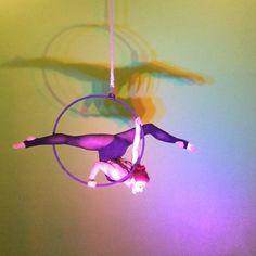 On the hoop  #aerialhoop #lyra #cerceau #aerialist #circus #arts #circuslab #split #spin #usaerial #circusartistcirque #aerialistsofinstagram #flexible #aerialistnation #dance #gymnasticsshoutouts #bendy #needle #cirque #aerial #instagramfordancers #upsidedown #artisteelite #aerialarts #dancersworld #aerials #instafit #fitness #circuseverydamnday #acrobat