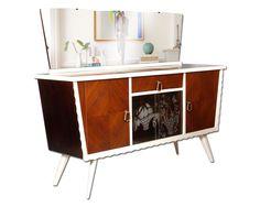 Credenza Bassa Con Vetrina : Immagini interessanti di credenza vintage antique furniture