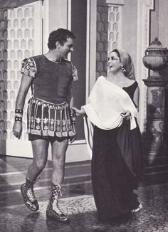 Richard Burton and Elisabeth Taylor on the set of Cleopatra directed by Joseph L. Mankiewicz, 1963