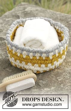 Crochet DROPS basket with reverse sc and stripes in 2 strands Paris. Free pattern by DROPS Design.