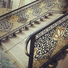 <<< Stair Handrail, Decorative Screens, Traditional Staircase, Steel Art, Stairs Design, Metal Screen, Staircase Railings, Cnc Design, Modern Railing