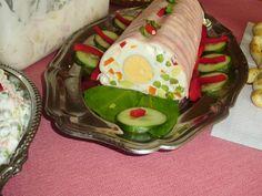 Francia saláta őzgerincben   Hozzávalók:     20 dkg zöldborsó (mirelit)   20 dkg sárgarépa   3 db közepes krumpli   1 nagyob...
