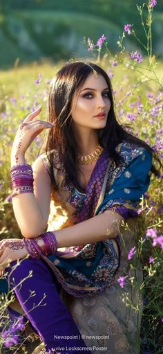 Beautiful Girl Image, Cute Asian Girls, Nice View, Makeup Tips, Wedding Styles, Indie, Wonder Woman, Hairstyle, Saree