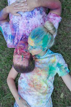 colorful kisses, paint splatter engagement session