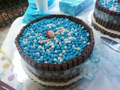 Does your little one love swimming? Make a splashy birthday cake like this one #waterbabies #swimming #cake