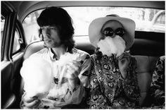feelingstupidandcontagious: the60sbazaar: Mick Jagger and Marianne Faithfull eating candy floss in the back of a car perffff