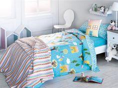 Dormitorio infantil en tonos azul.